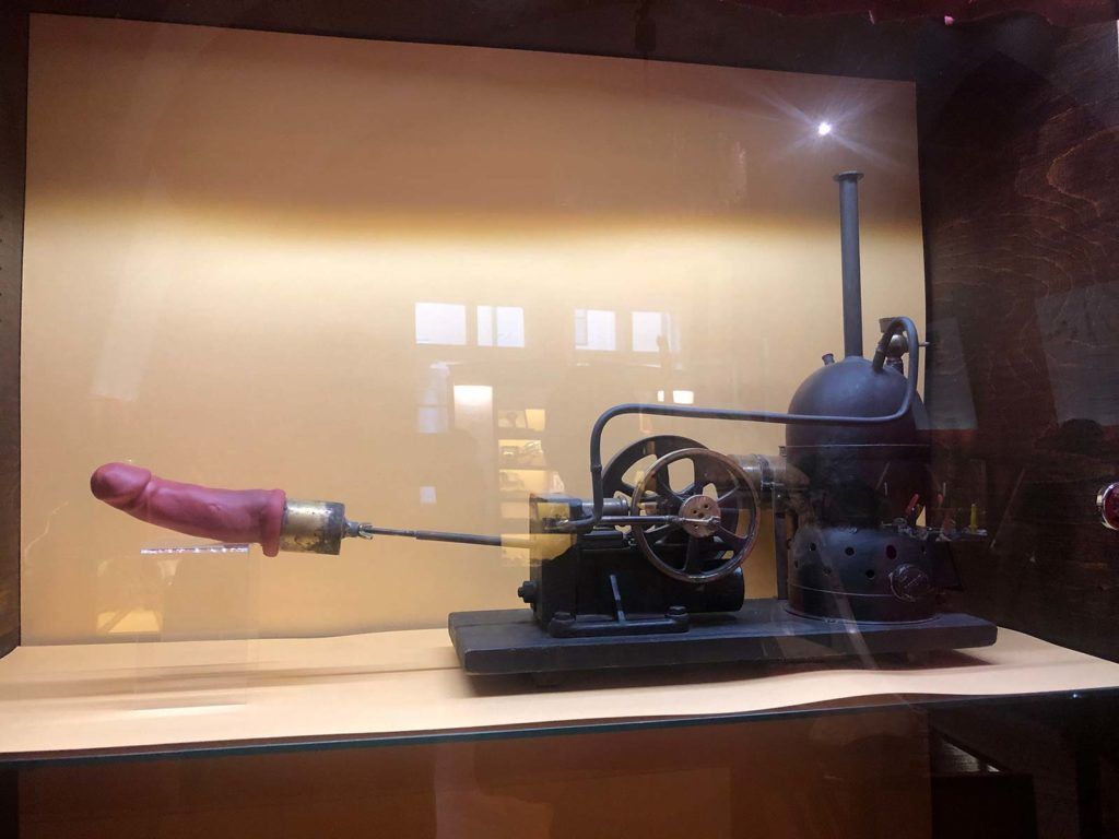 Antiquare Sexmaschine im Sex Museum Prag